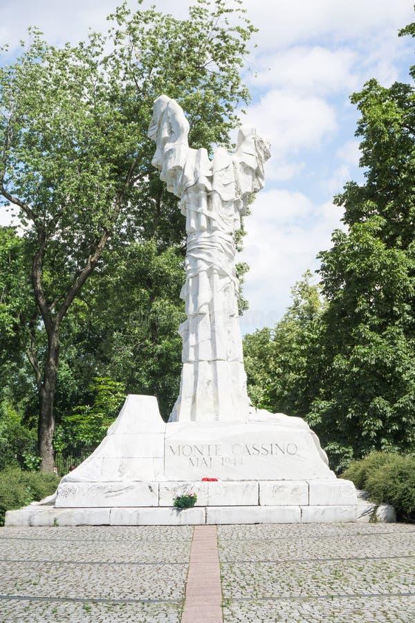 WARSZAWA - Juni 6 2017 - monumentet till striden av Monte Cassino förlade i Warszawa arkivfoto