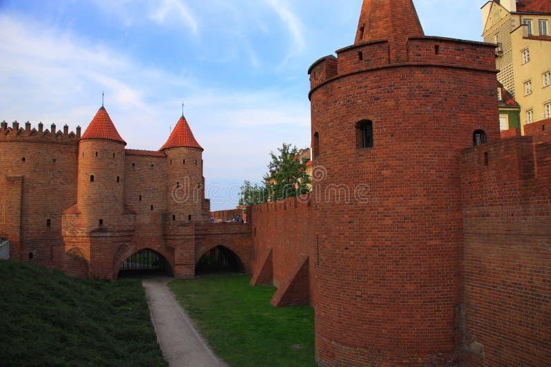 Warszawa Polen - gammal stad, vakttornstatus från 2018 arkivbild