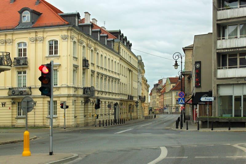 WARSZAWA POLEN - MAJ 12, 2012: Sikt av den historiska byggnaden i gammal del av Warszawahuvudstad och den största staden av Polen royaltyfria foton