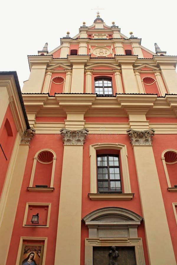 WARSZAWA POLEN - MAJ 12, 2012: Sikt av kyrkan av den artiga modern av guden fotografering för bildbyråer