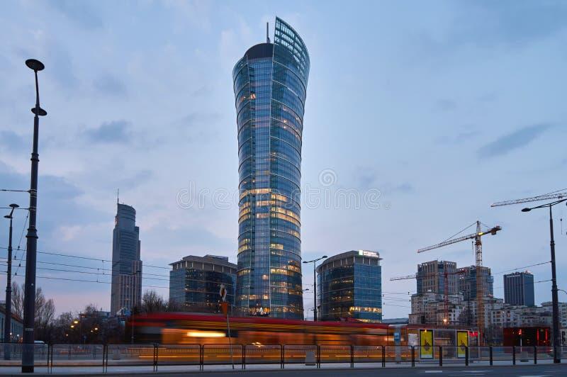 Warszawa Polska, Marzec, - 28, 2016: Budynek biurowy Warszawska iglica w budowie zdjęcia royalty free