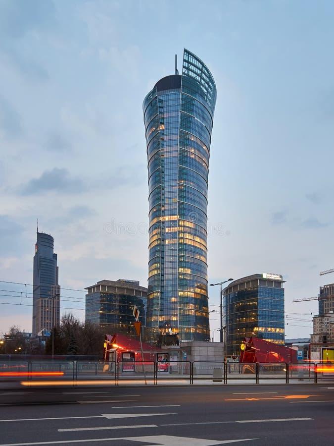 Warszawa Polska, Marzec, - 28, 2016: Budynek biurowy Warszawska iglica w budowie zdjęcia stock