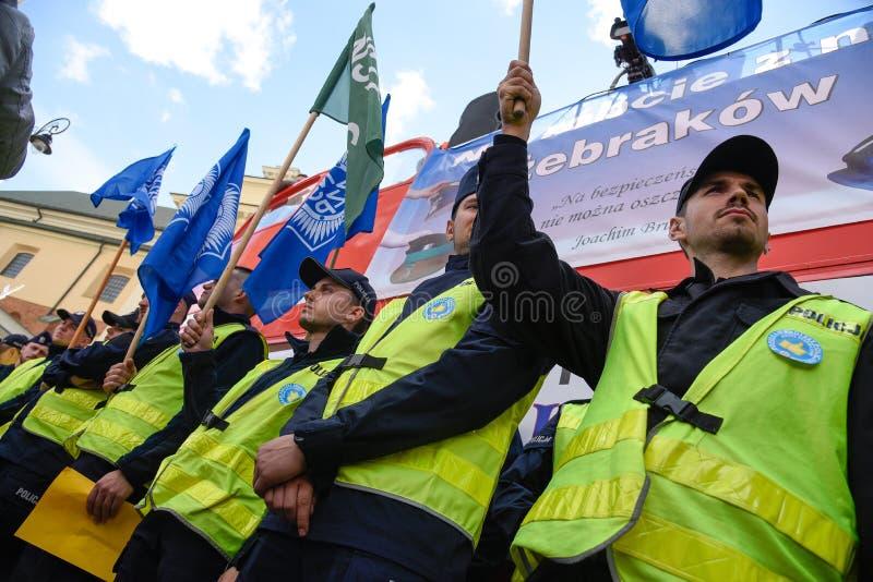 Warszawa, Polska, Październik/- 02 2018: Demonstracja, obywatela funkcjonariuszi policji protest obrazy stock