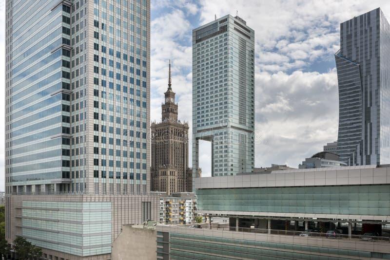 Warszawska panorama przy chmurnym dniem, Polska zdjęcia royalty free
