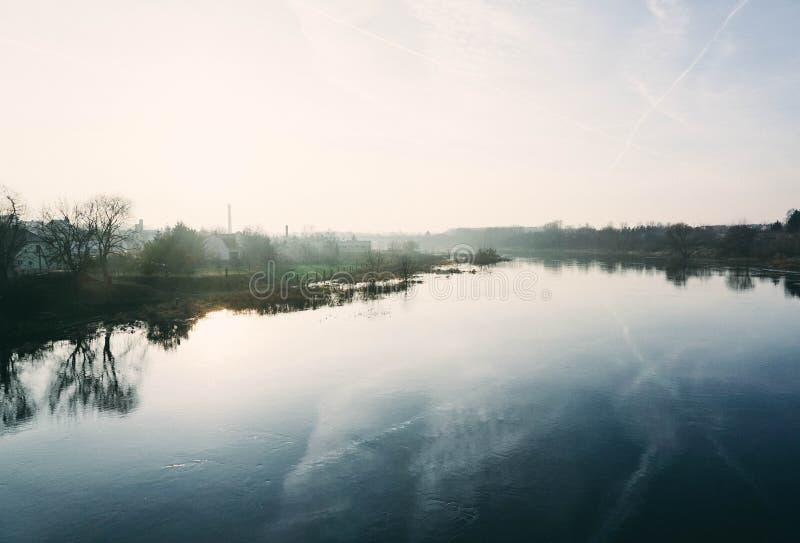 Warta flod i Wronki, Polen arkivbilder