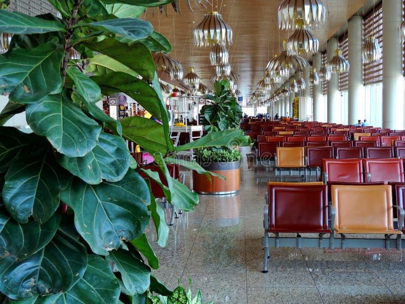 Warteaufenthaltsraum bei Chhatrapati Shivaji International Airport, Mumbai stockfoto