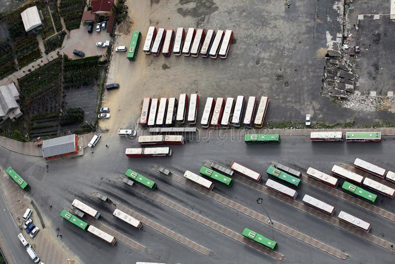 Wartehäuschen im Stadtzentrum stockbild