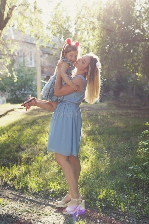 Wartości rodzinne Matka i córka obrazy stock