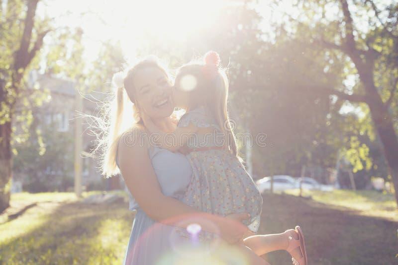 Wartości rodzinne Matka i córka zdjęcie stock