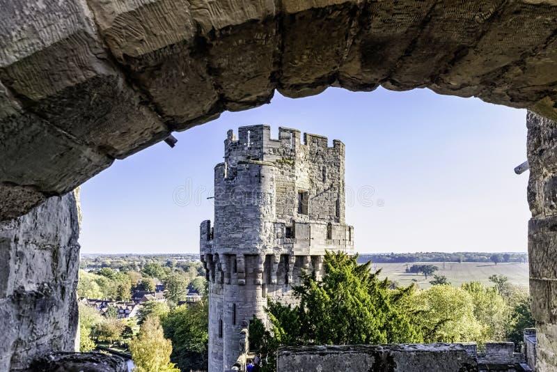 Warwick Castle - Caesars torn i Warwick i Warwick, Warwickshire, UK royaltyfri foto