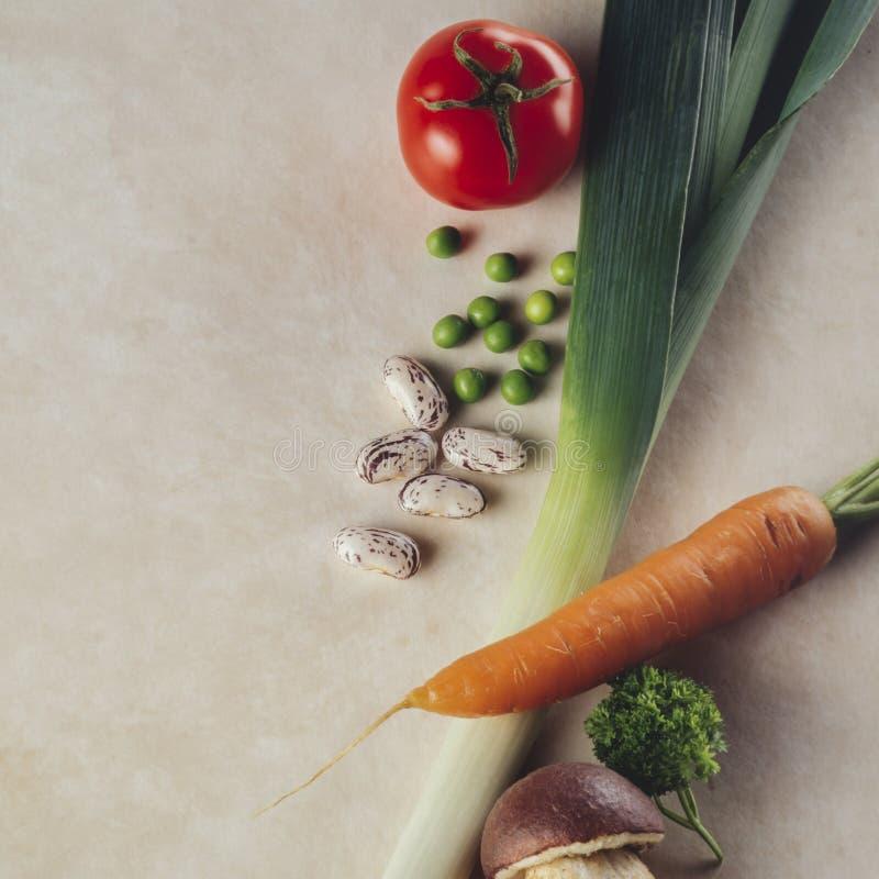 Warzywa na stole, przeglądają z góry zdjęcie royalty free