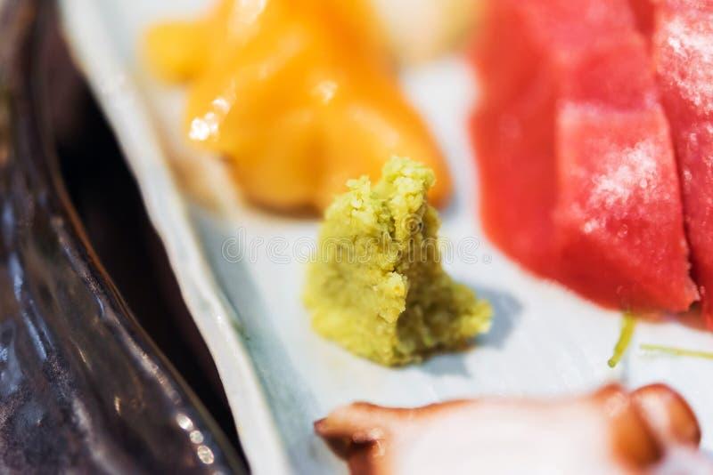 Wasabi op sashimiplaten - Japans voedsel, Tokyo, Japan Close-up stock afbeelding