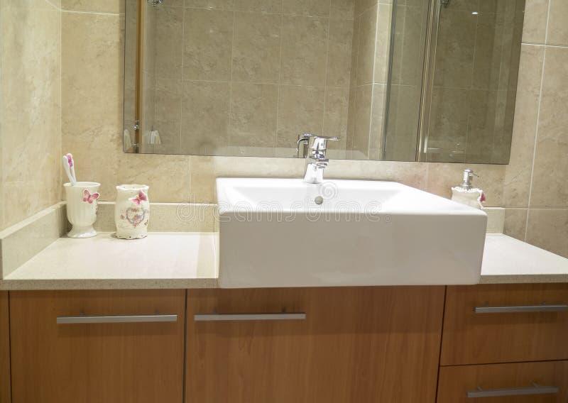 Waschbecken und Mobiliar stockfotos