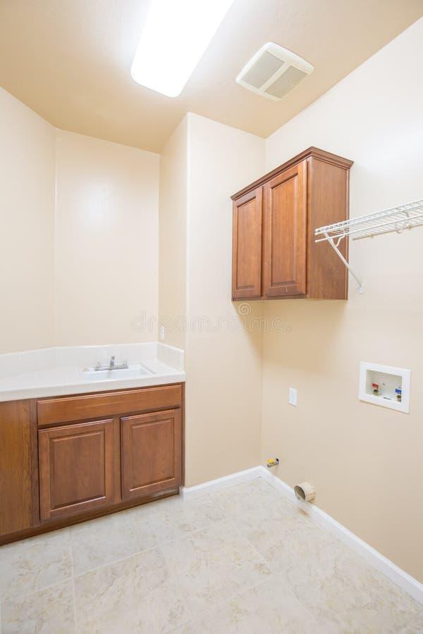 Waschküche neu lizenzfreies stockfoto