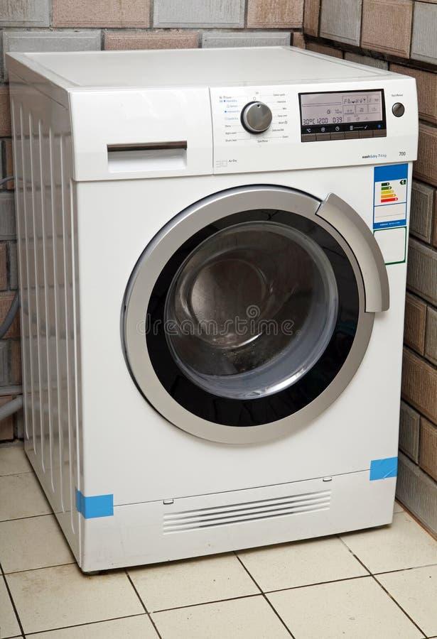 Download Waschmaschine stockbild. Bild von abschluß, inländisch - 29462085