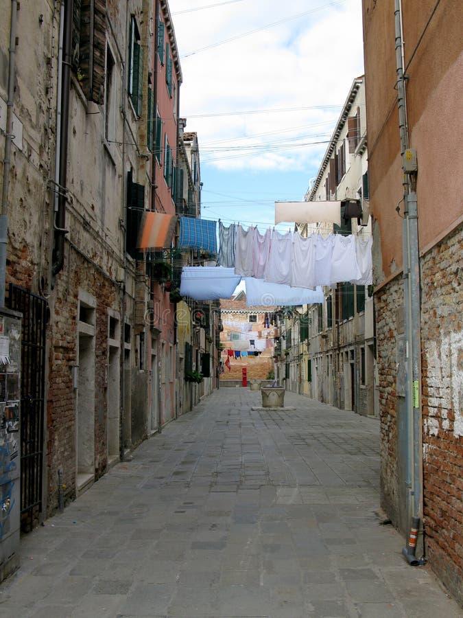 Waschtag in Venedig, Italien stockbild