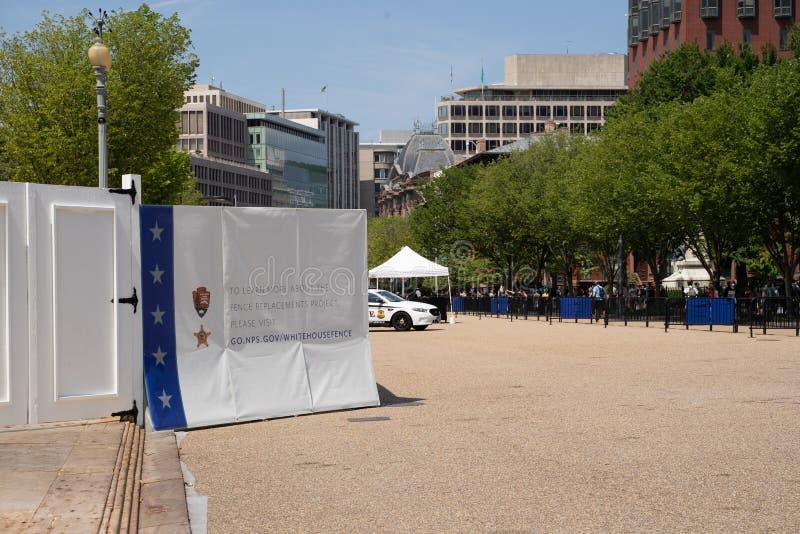 Washington, C.C - 4 août 2019 : La construction de projet de remplacement de barrière sur la Maison Blanche des Etats-Unis rempla photo libre de droits