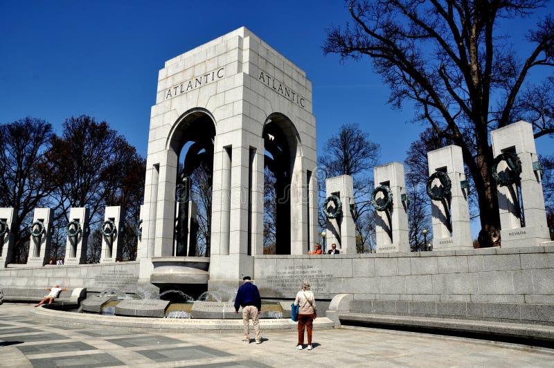 Washington, C.C.: Memorial da segunda guerra mundial foto de stock