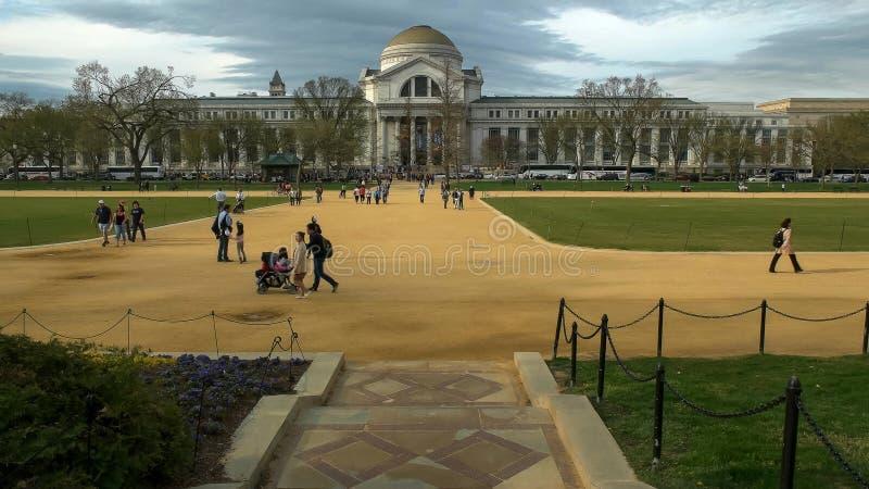 WASHINGTON, C.C, Etats-Unis - avril, 3, 2017 : vue large du musée d'histoire naturelle de Smithsonien à Washington photo libre de droits