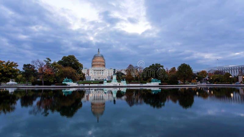 Washington, C C horizon avec des routes et des monuments images libres de droits