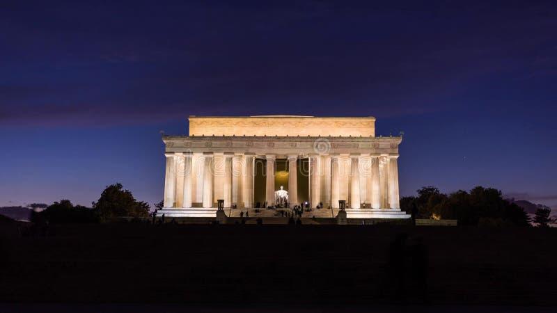 Washington, C C horizonte con las carreteras y los monumentos fotografía de archivo