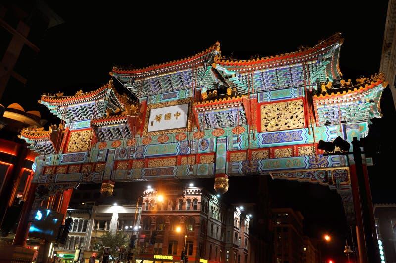 Washington Chinatown na noite, C.C., EUA imagem de stock