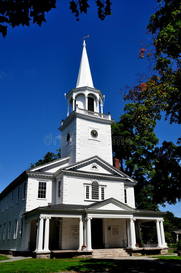 Washington, CT: First Congregational Church. Washington, Connecticut: The 1741-54 Meeting House of the First Congregational Church on the Village Green stock images