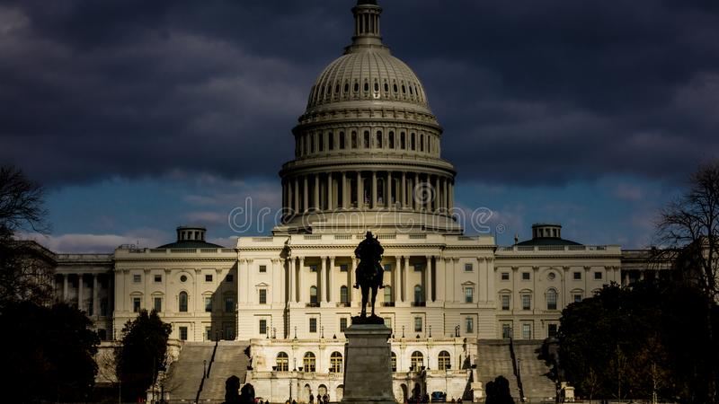 2018 - WASHINGTON D C - Sturmwolkengestalt über US-Kapitol, Washington D C Aufmachung von General Zustände, errichtend stockbild