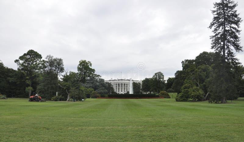 Washington DC Augusti 5th: Vita Husetbyggnad från Washington District av Columbia arkivbild