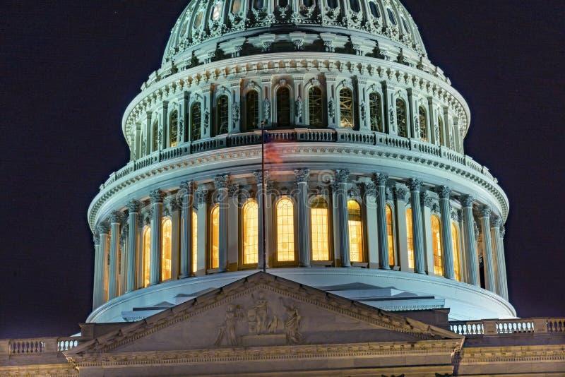 Washington DC d'étoiles de nuit de côté nord de drapeau de dôme de capitol des USA images stock