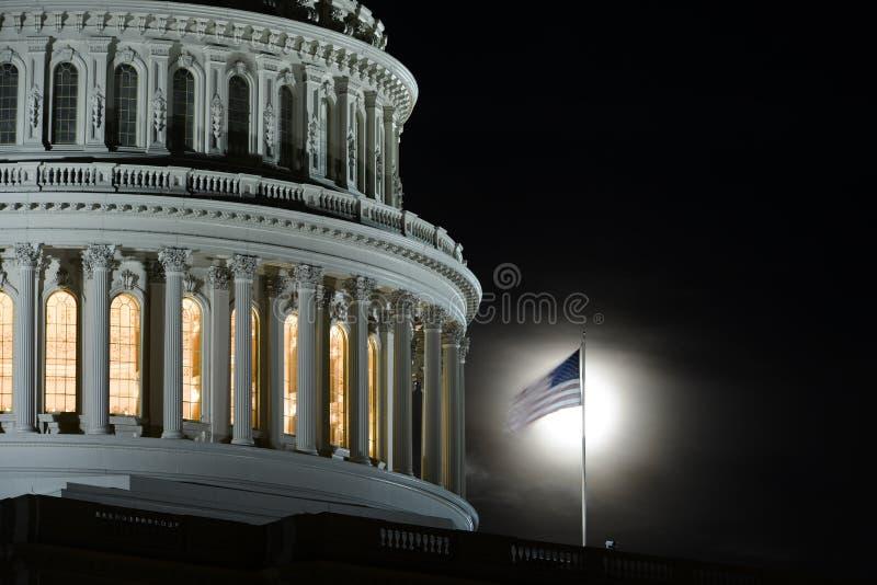 Washington DC, de Capitoolbouw bij nacht royalty-vrije stock foto's