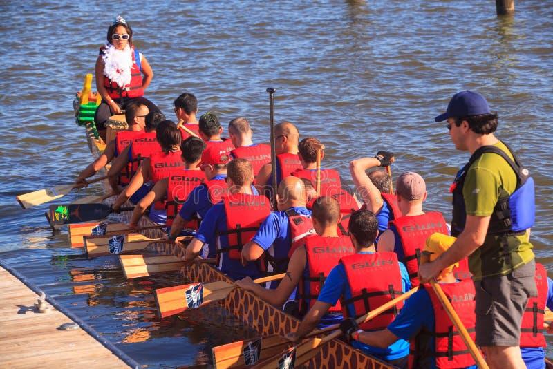 Washington DC de Dragon Boat Racers National Harbor imagem de stock royalty free