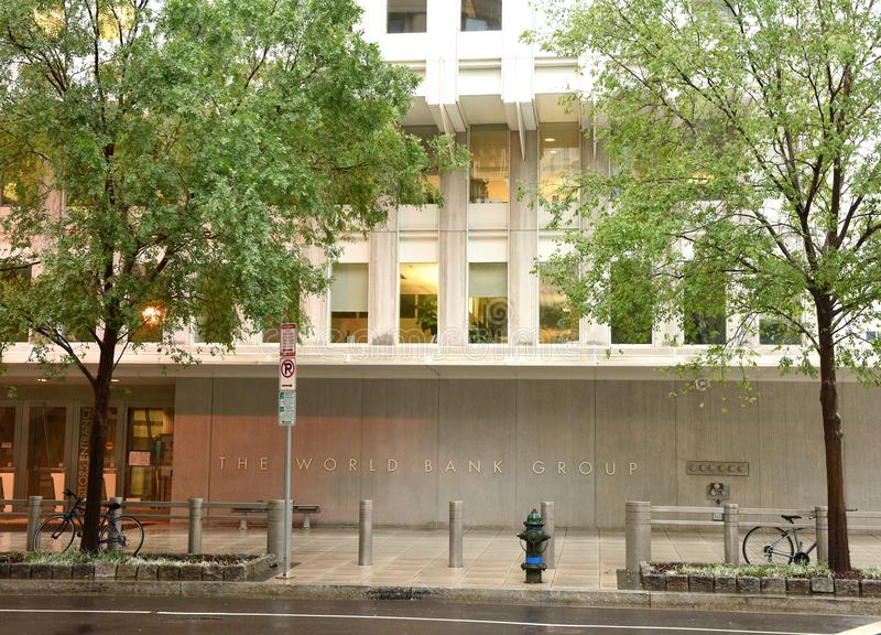 Washington, DC - 4 de junio de 2018: El edificio principal del banco mundial adentro fotos de archivo libres de regalías