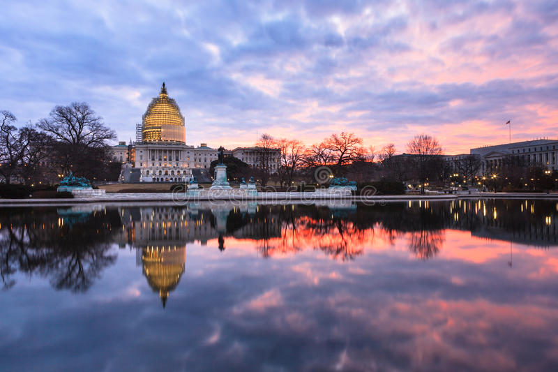 Washington DC del edificio del capitolio de los E.E.U.U. de la salida del sol del invierno imagen de archivo libre de regalías