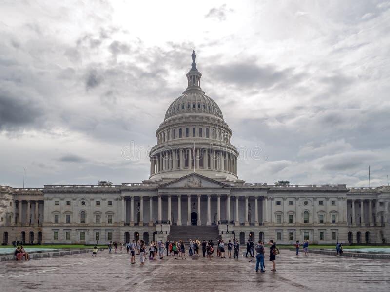 Washington DC District of Columbia [byggnad för Förenta staternaUSA-Kapitolium, skuggigt molnigt väder, innan att regna, faling s arkivfoton