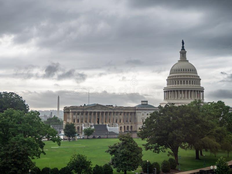Washington DC, distrito de Columbia [construção do Capitólio dos E.U. do Estados Unidos, tempo nebuloso obscuro antes de chover,  imagens de stock royalty free