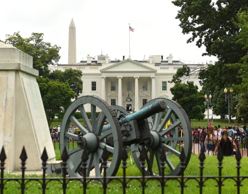 Washington, DC - 2 giugno 2018: Cannone vicino al ` s di Andrew Jackson fotografia stock