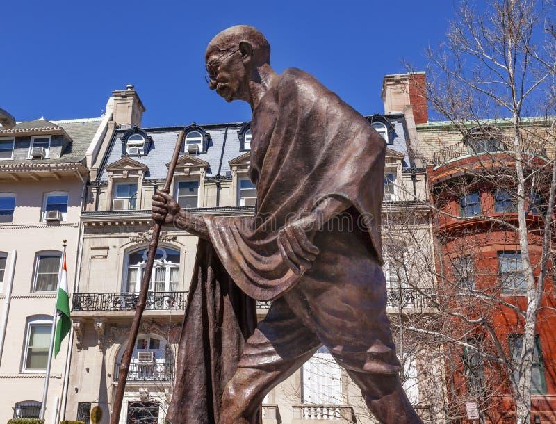 Washington DC indiano di fila di ambasciata dell'ambasciata della statua di Gandhi immagini stock libere da diritti