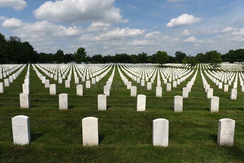 Washington DC - Juni 01, 2018: Arlington nationell kyrkogård arkivfoton
