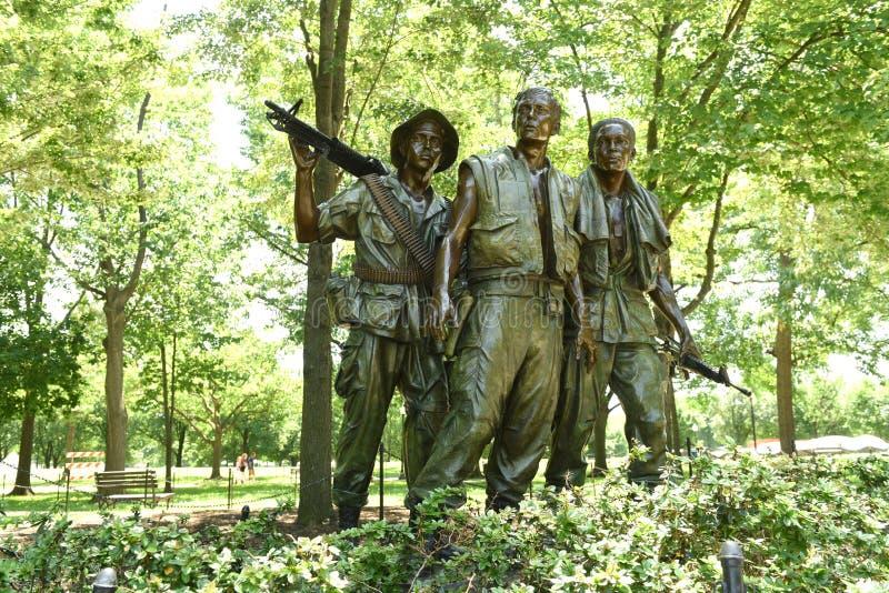 Washington DC - Juni 01, 2018: De tre soldaterna på Vietnaen arkivbild