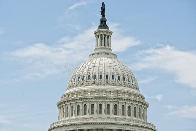 Washington DC-Kapitoldetail über bewölkten Himmel stockfotos