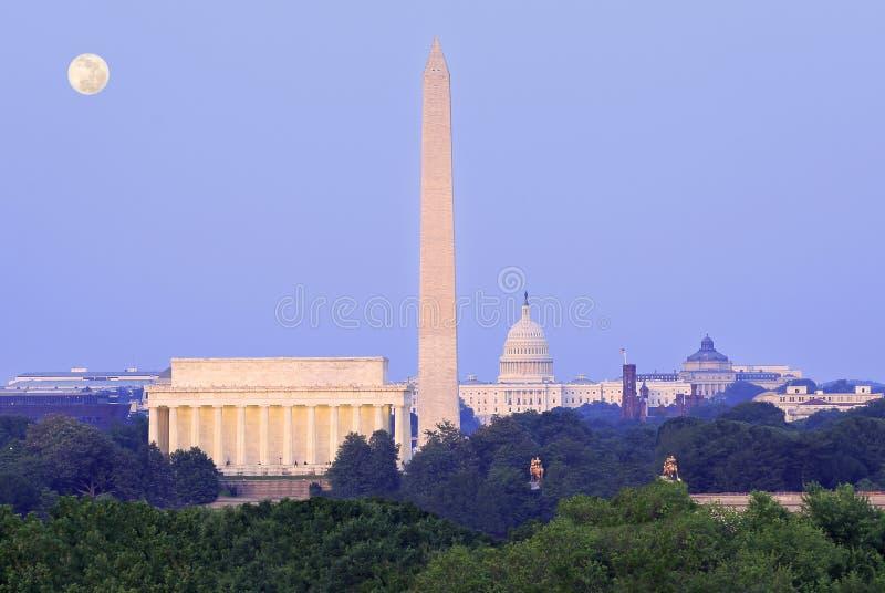 Washington DC linia horyzontu przy półmrokiem zdjęcie royalty free
