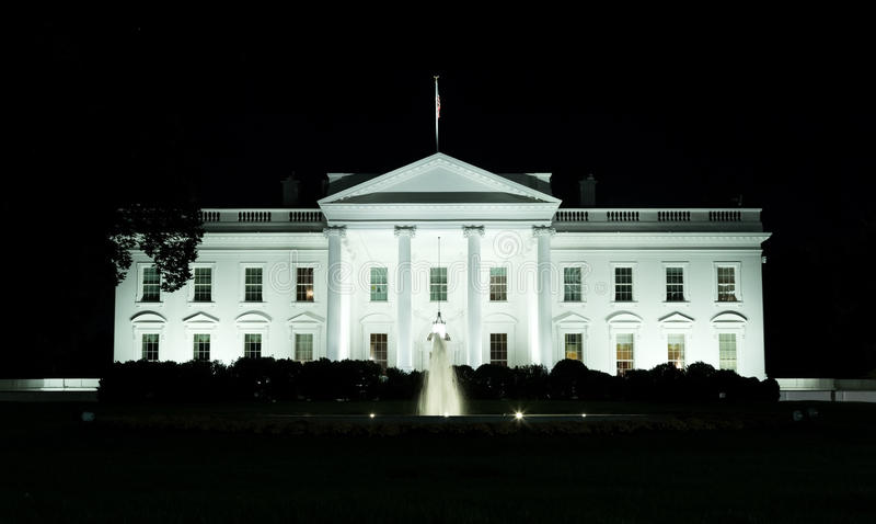 Washington, DC - parte anteriore della Casa Bianca alla notte fotografia stock