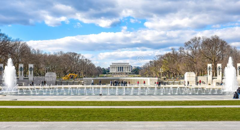 Washington DC, usa Panoramiczny widok druga wojna światowa pomnik fotografia stock