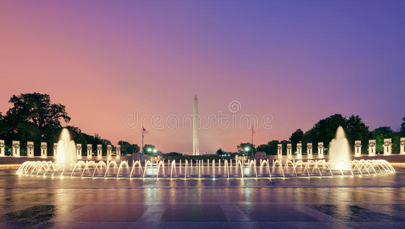 Washington DCmonument, springbrunnar, USA royaltyfria foton