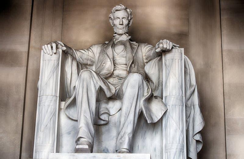 WASHINGTON, los E.E.U.U. - 24 de junio de 2016 - estatua de Lincoln en el monumento en Washington DC foto de archivo libre de regalías