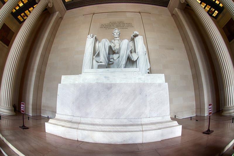 WASHINGTON, los E.E.U.U. - 24 de junio de 2016 - estatua de Lincoln en el monumento en Washington DC imagen de archivo libre de regalías