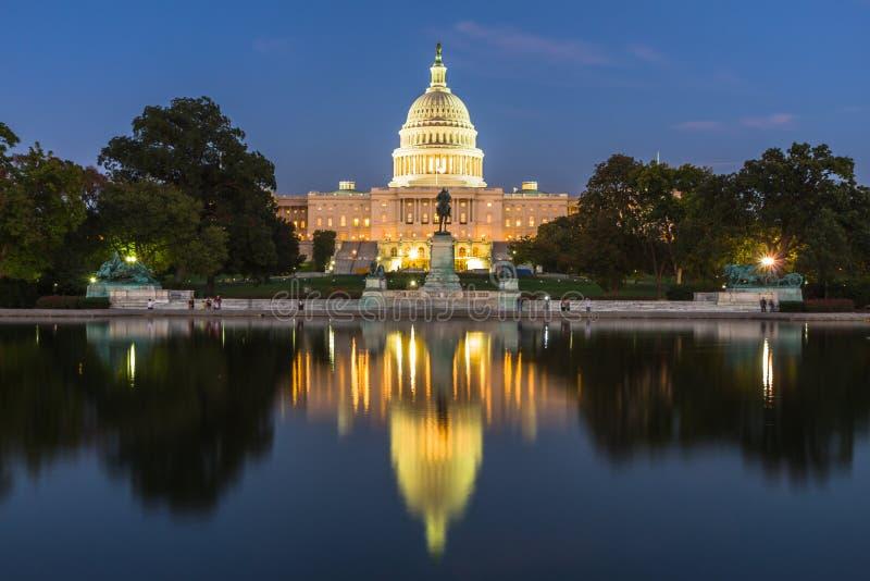 Download Washington Momument In Washington DC, De V.S. Stock Afbeelding - Afbeelding bestaande uit aantrekkelijkheid, architectuur: 54075937