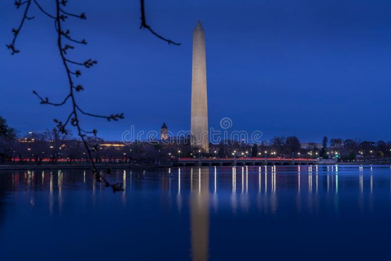Washington Monument en crepúsculo imagen de archivo libre de regalías