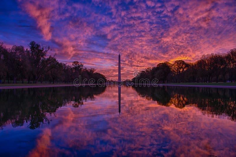 Washington Monument At Sunrise fotografia stock libera da diritti